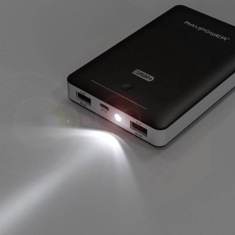 RAVPower 16000mAh Chargeur Batterie Externe Double Port USB (5V/2.1A & 5V/2.4A) avec lampe de poche intégrée munie de la Technologie iSmart