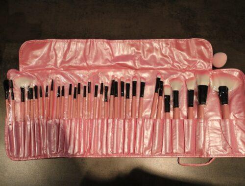 kit de 32 pinceaux de maquillage (+ éponge)