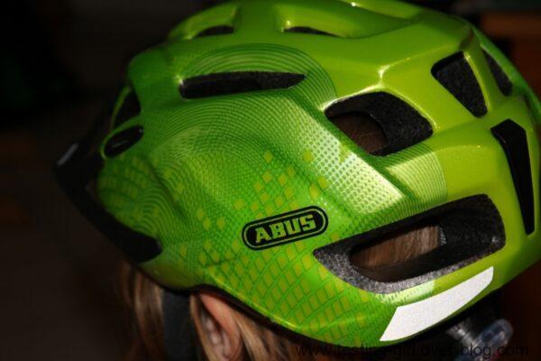 Le casque de vélo à LED enfant Mount X de Abus