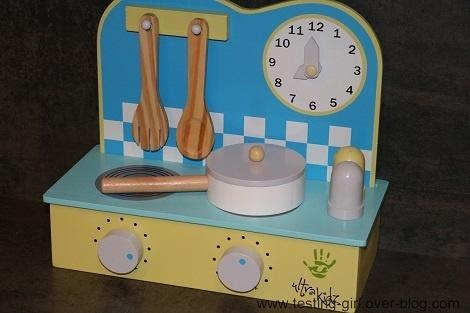 La mini-cuisine de jeu en bois de Ultrakidz pour faire comme les grands