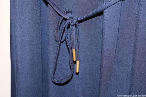 robe en jersey doux et fluide avec garniture de dentelle de Berydale