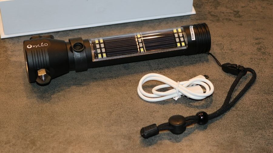 lampe torche multi-fonction LED pour véhicule MD10 de OxyLED