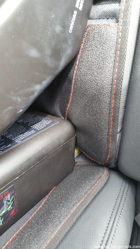 Le couvre siège auto MATCC pour protéger les fauteuils en cuir du siège bébé