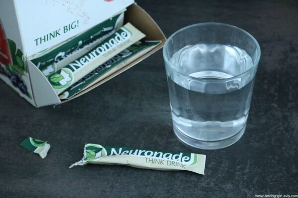 Neuronade Think Drink stick sachet verre eau