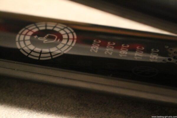 Fer à lisser Salon One-Pass Pro Collection Lisseur digital de Revlon commande tactile