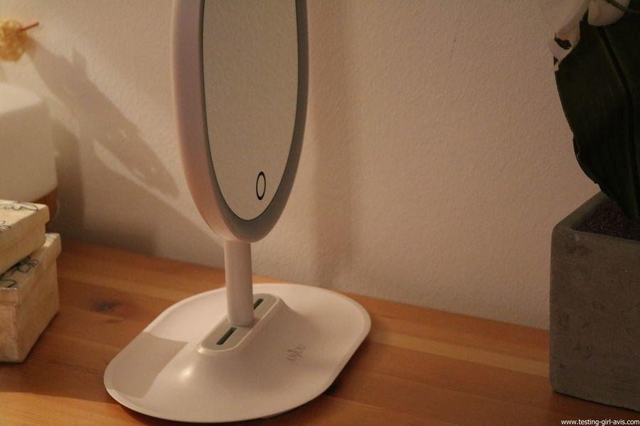 Anjou Miroir Maquillage Lumineux Rechargeable, Lumiere à LED à Reglage Tactile avec Miroir Grossissant 5x Magnetique et Amovible, Rotation à 120° pour Utilisation sur Comptoir - Blanc inclinable