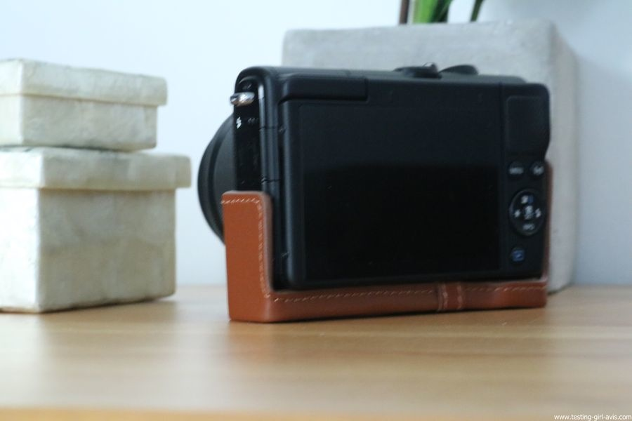 Canon EOS M100 Noir + EF-M 15-45mm Limited Edition Kit d'appareil Photo Numérique 24,2 Mpix Zoom optique 10x Bluetooth Noir - coque