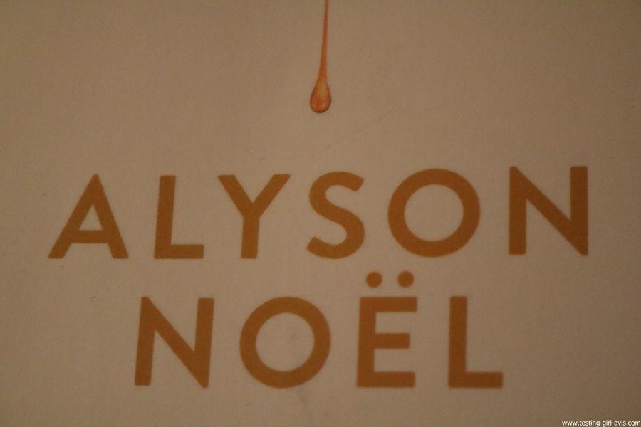 Alyson Noël