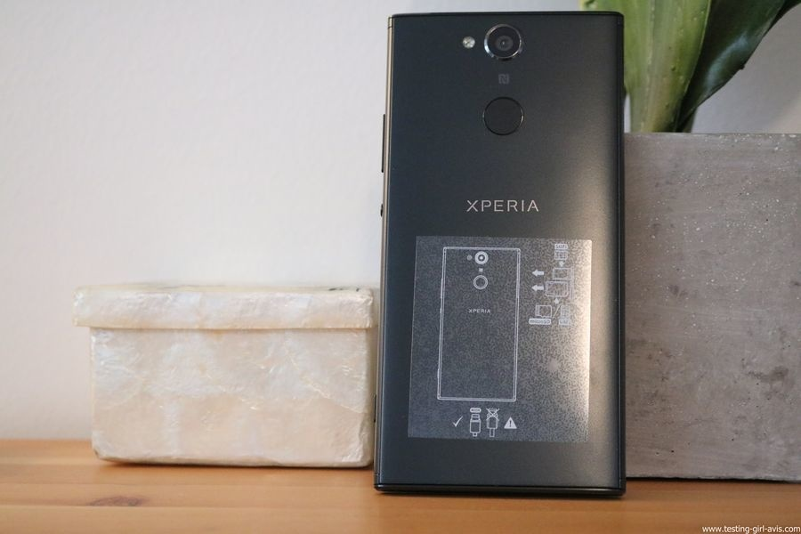 Sony Xperia XA2 Smartphone débloqué 4G (Ecran: 5,2 pouces - 32 Go - Double Nano SIM - Android) Noir - Arrière - Dos