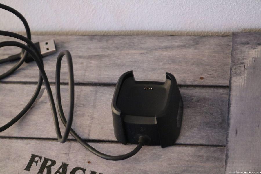 Montre cardio femme - Montre Connectée - Smartwhatch - Fitbit - Versa - Chargeur