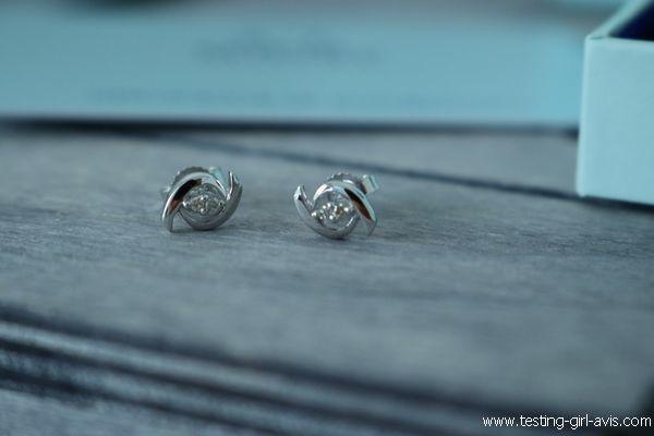 Boucles d'oreilles Miore : Or blanc 9 carats et 4 diamants - Avis