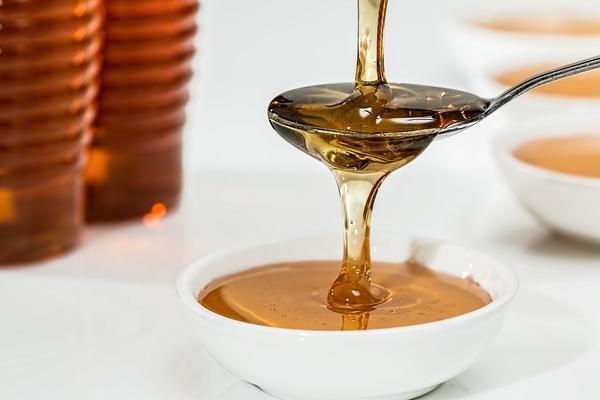 5astuces pour soigner un rhume naturellement - miel