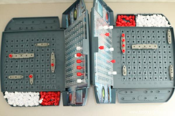 jeu de bataille navale Touché-Coulé de Hasbro Gaming