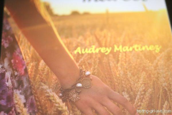 ado fille dans un champ de blé - audrey martinez