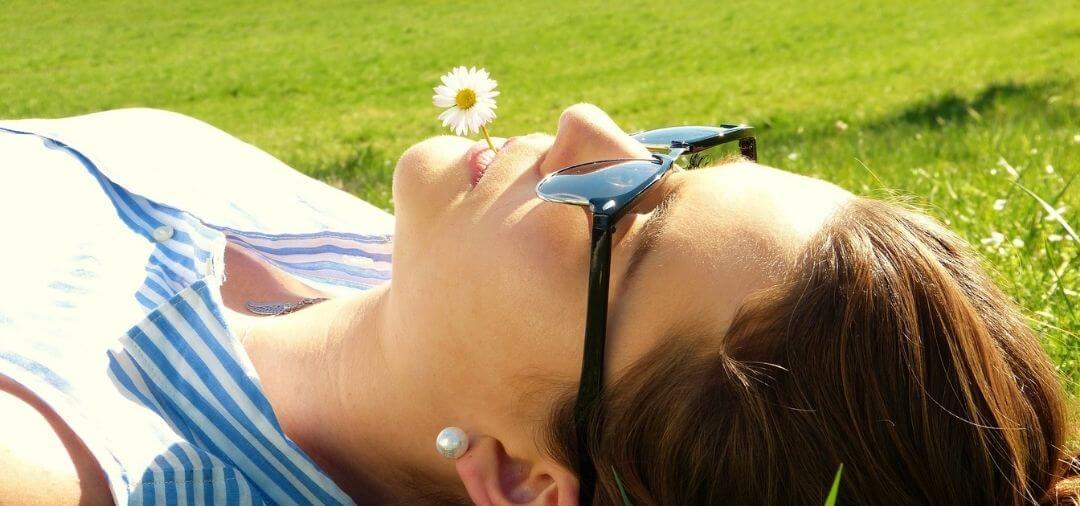 femme allongée zen