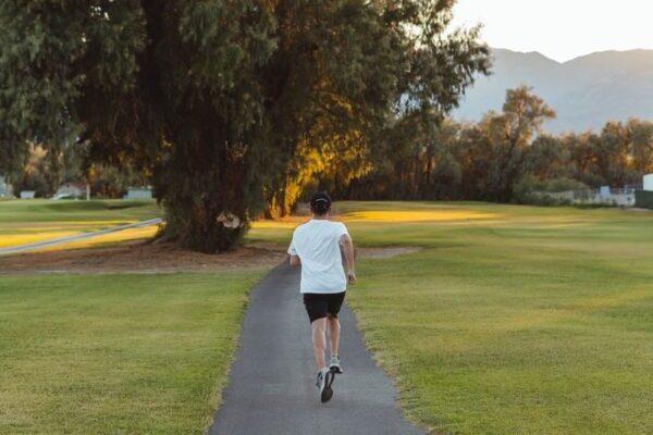 Courir pour évacuer le stress et être bien dans sa peau